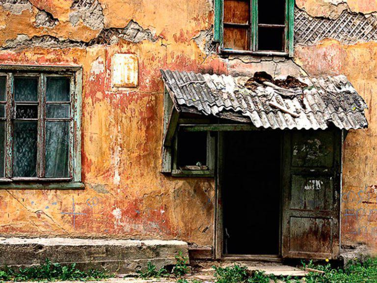Прокуратура Севастополя требует расселить жильцов шести аварийных домов