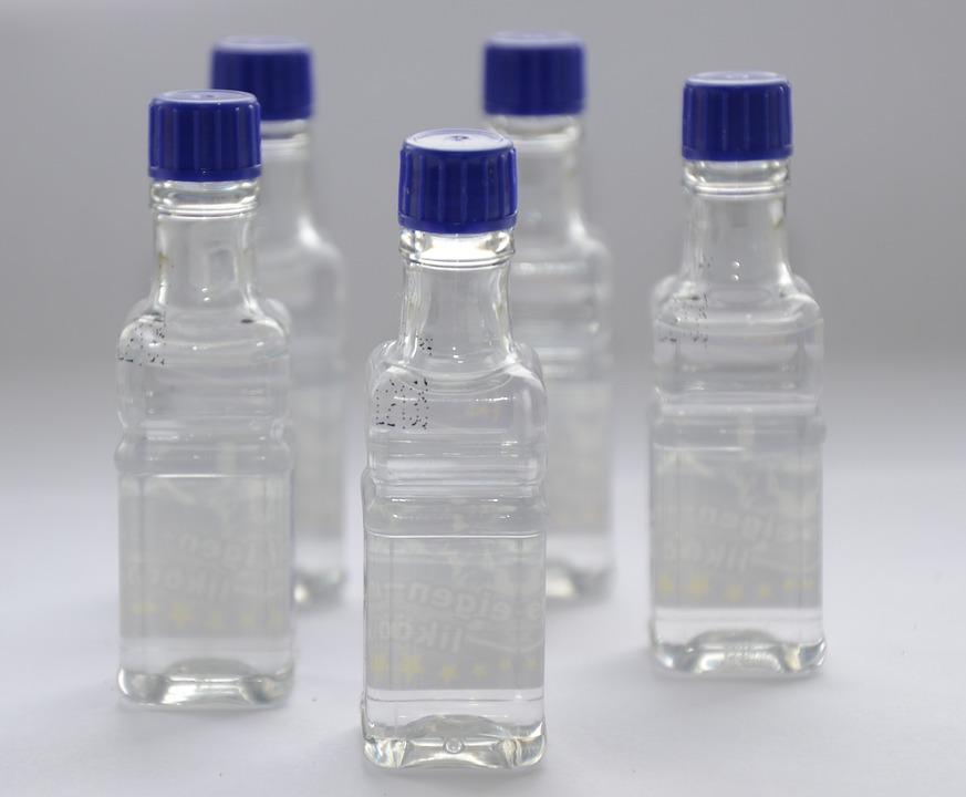В Крым под видом детской питьевой воды поставляли этиловый спирт