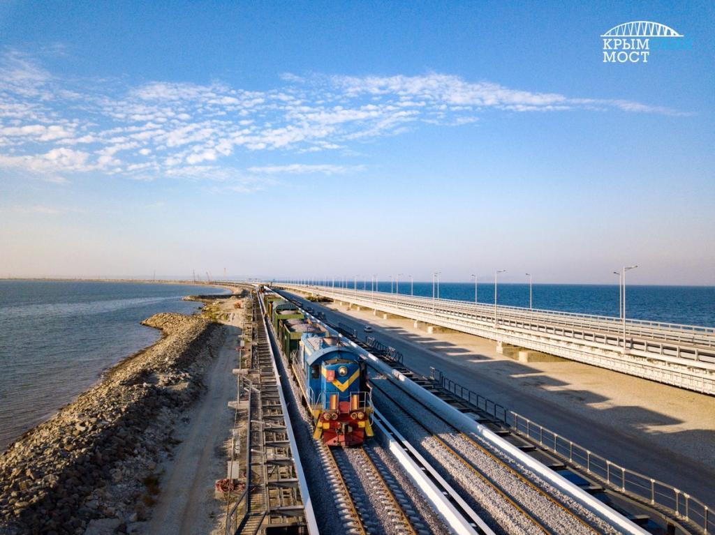 В августе по Крымскому мосту пройдёт первый поезд