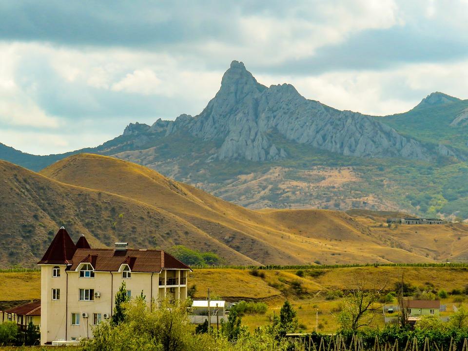 Чиновников Севастополя отправили в горы
