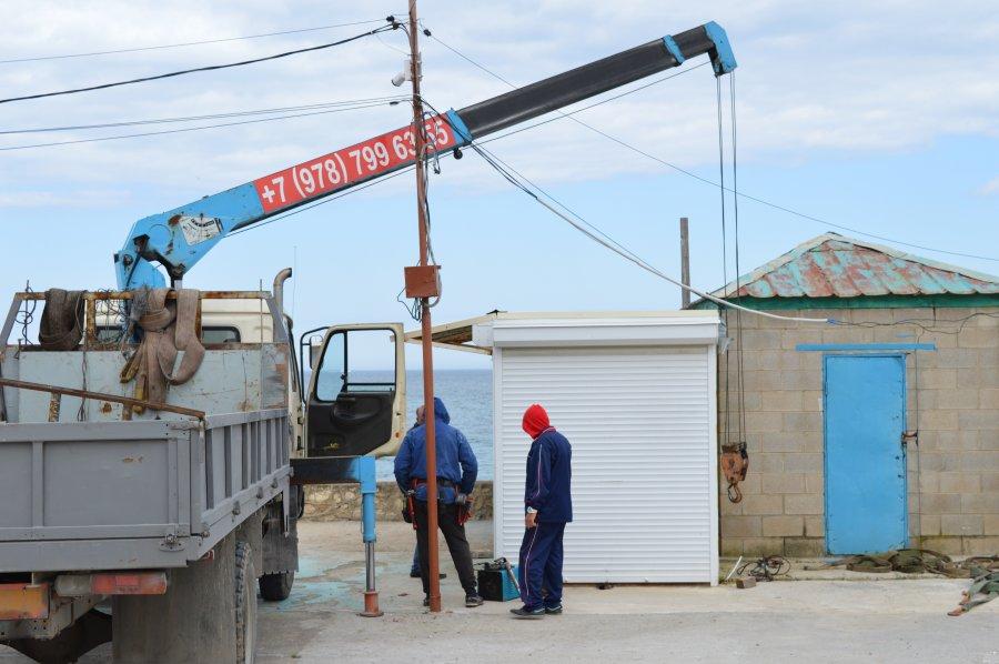 На пляже Учкуевка начался демонтаж незаконных объектов
