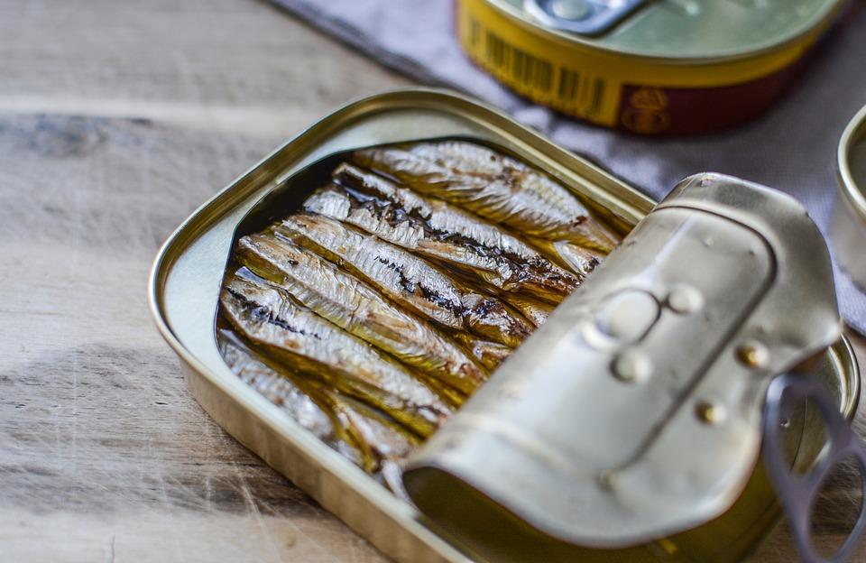 Роспотребнадзор назвал признаки качественных рыбных консервов