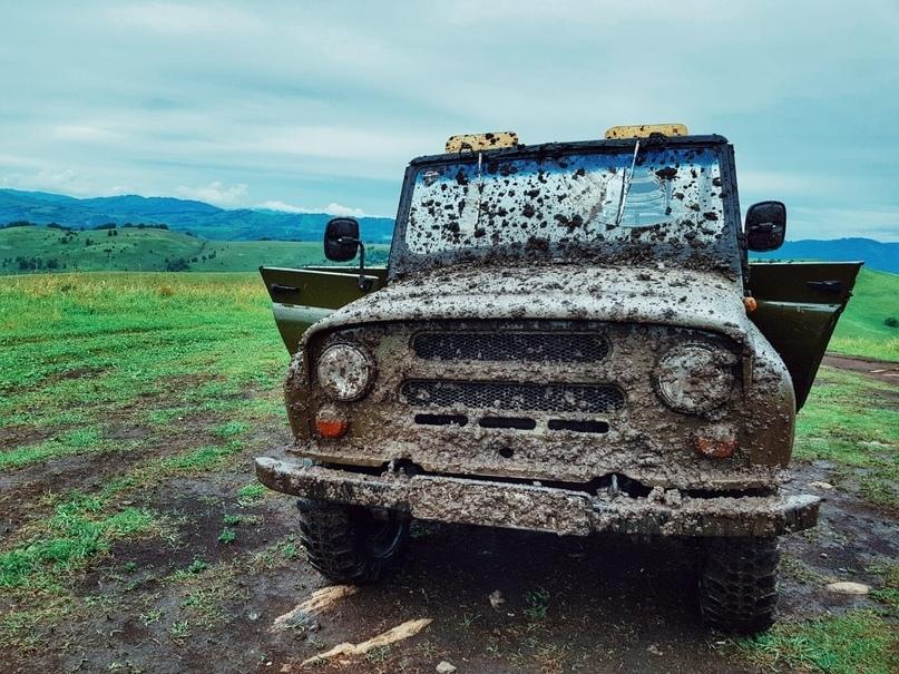 В Крымских горах застрял «УАЗ» с пассажирами