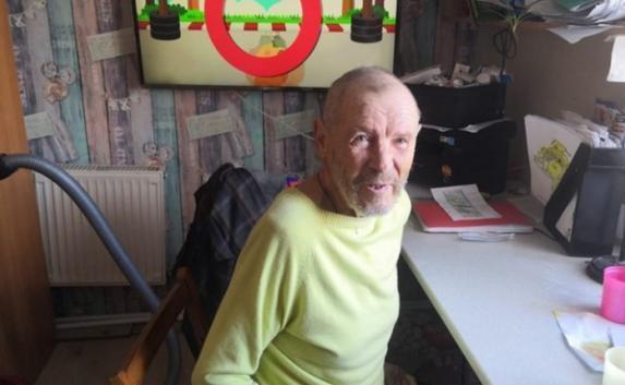 Бездомному инженеру из пещеры над Лабораторным шоссе в Севастополе нашли семью