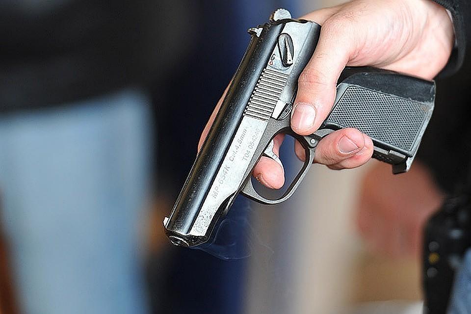 В Севастополе мужчина стрелял в подростков из пистолета из-за шума