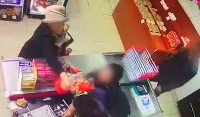 В Якутске старушка и продавщица дали отпор грабителю
