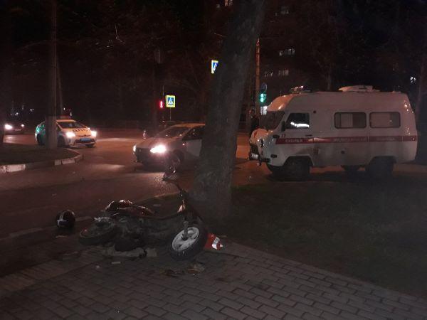 В ДТП в Севастополе пострадал водитель мопеда