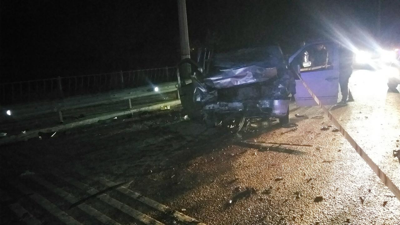 Спидометр заклинило на 150 км/ч: в страшном ДТП в Крыму погибли 4 человека
