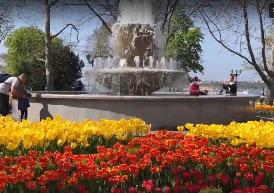 В Севастополе заработали фонтаны