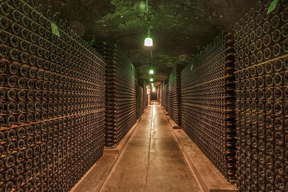 Крымский винодельческий завод опроверг сообщения о проблемах с бутылками