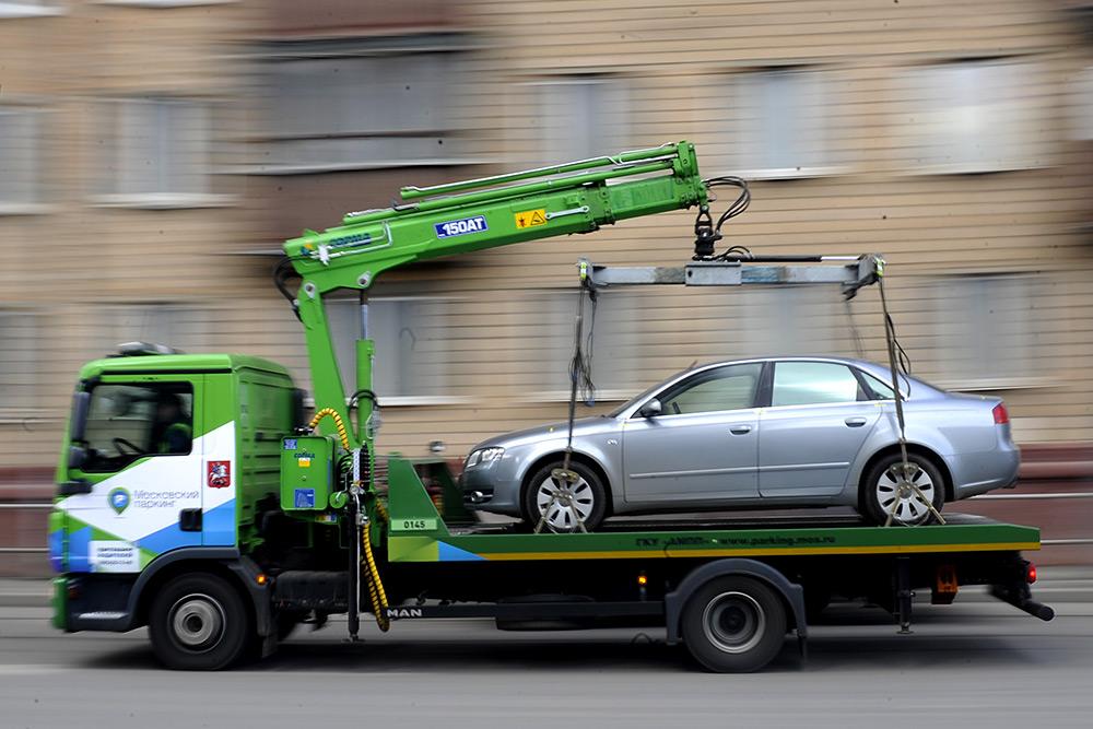 В Севастополе увозить авто на штрафстоянку сможет любой желающий