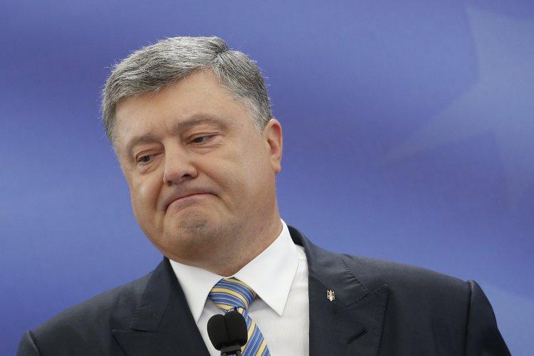 Порошенко призвал дать автономию крымским татарам