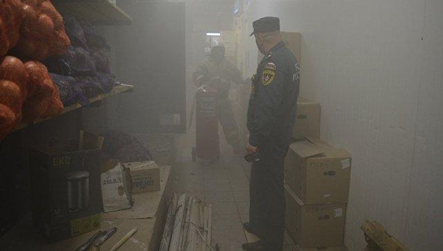 Едкий дым и срочная эвакуация: в севастопольском ТЦ произошел пожар