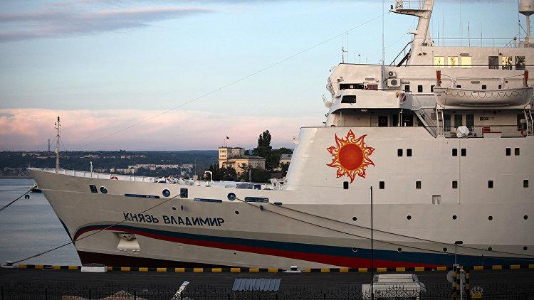 Лайнер «Князь Владимир» отправился из Сочи в Севастополь впервые в этом году