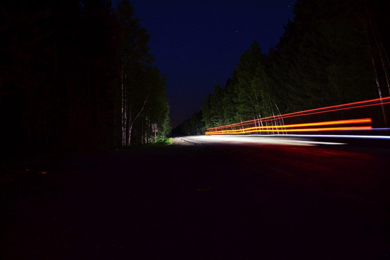 В Крыму ночью на трассе сбили человека
