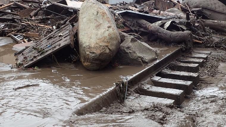 В реку унесло автомобили и крупный рогатый скот: на дагестанское село обрушился селевой поток