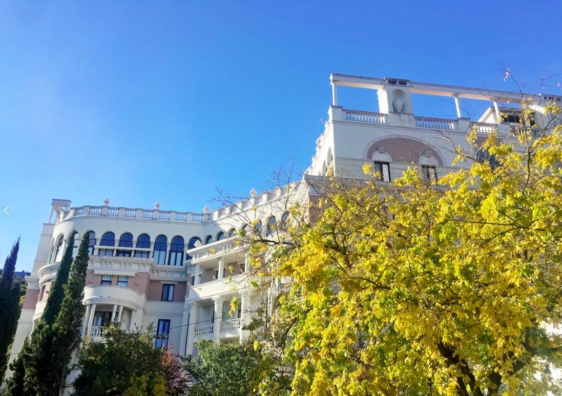 Риэлтор рассказал о стоимости квартир в «пентхаусе Зеленских» в Ливадии