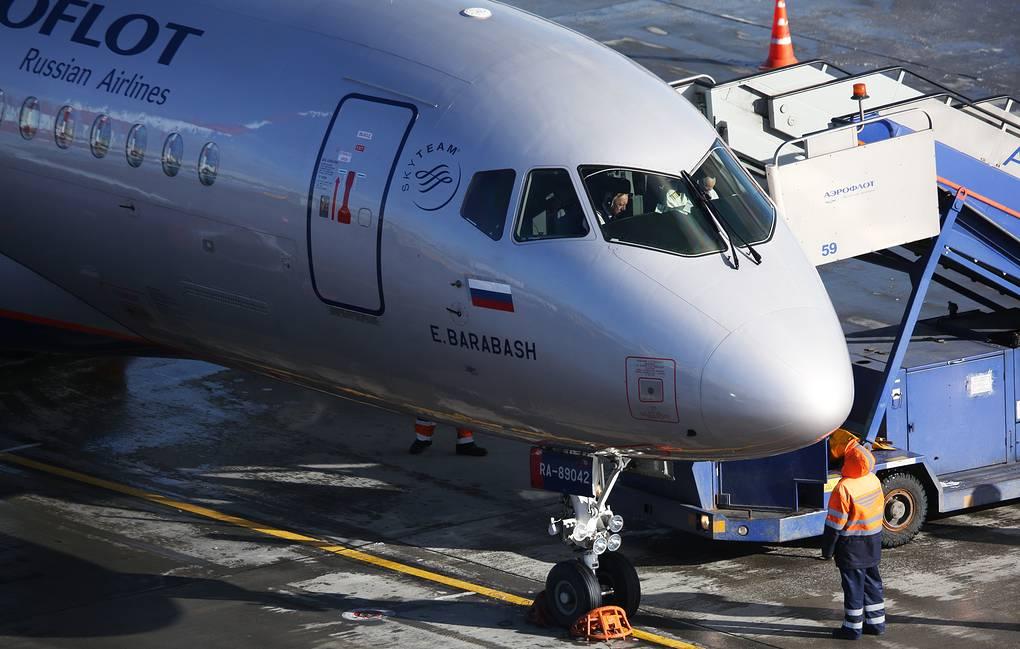 SSJ 100 Ульяновск — Москва экстренно прервал взлет из-за неполадок