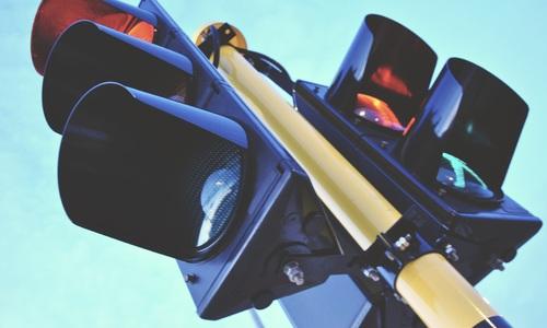 На злополучном перекрестке Севастополя появился светофор