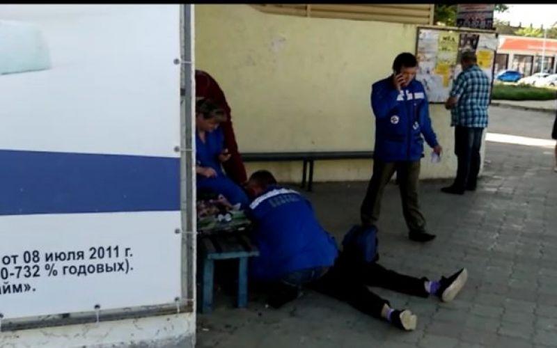 На остановке в Крыму умерла женщина