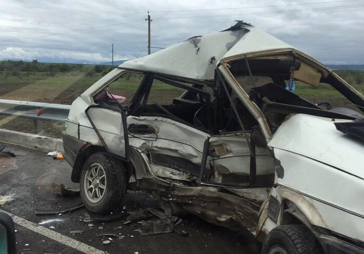 Момент столкновения трех автомобилей на «Тавриде» попал на видео