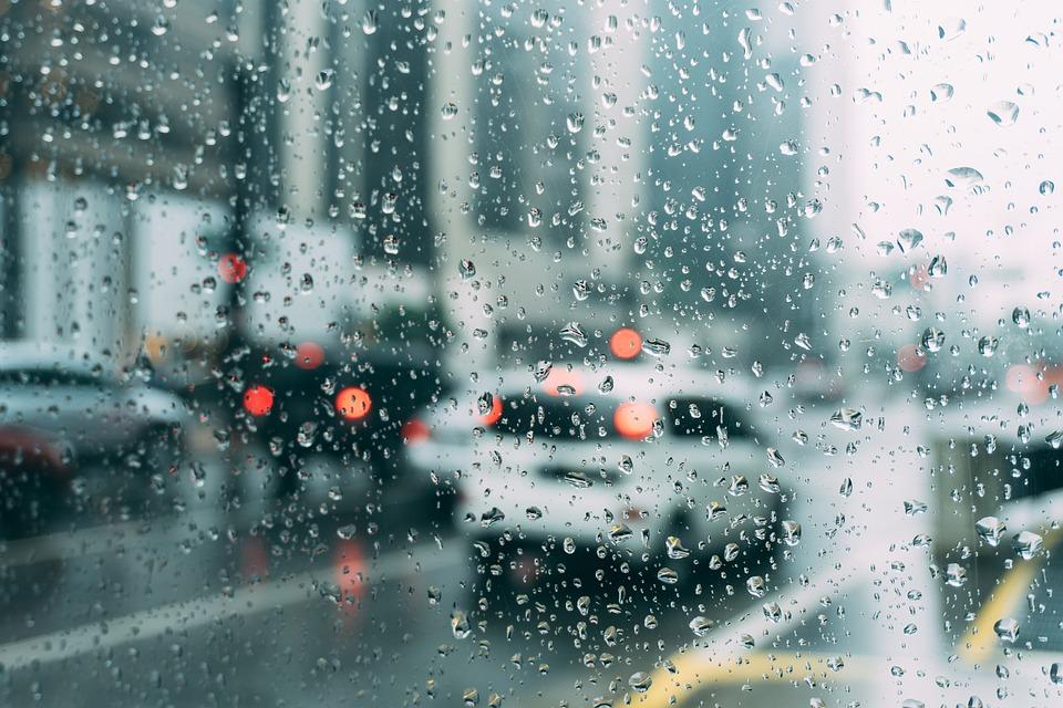 Ливни, грозы, град: какой будет погода в Крыму сегодня
