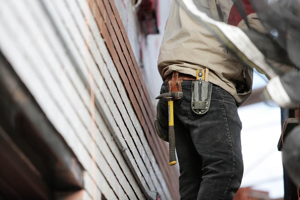 Строители детского сада в Севастополе третий месяц не получают зарплату