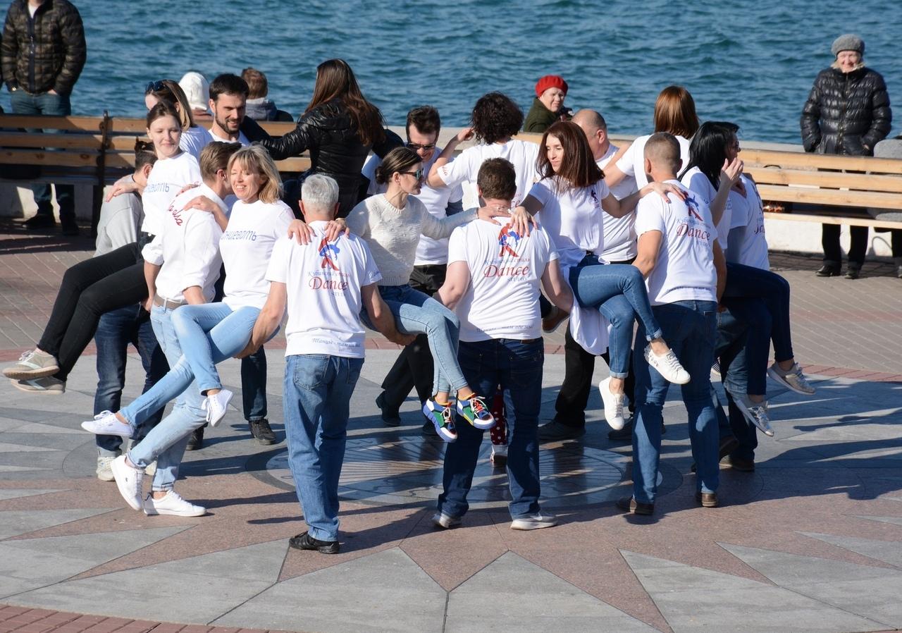 Севастополь вышел в финал Международного танцевального флешмоба
