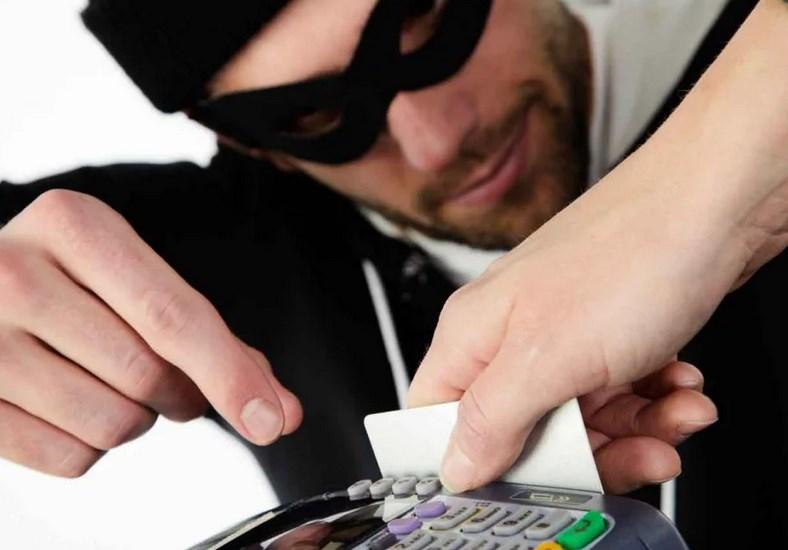В Севастополе участились мошенничества с банковскими картами