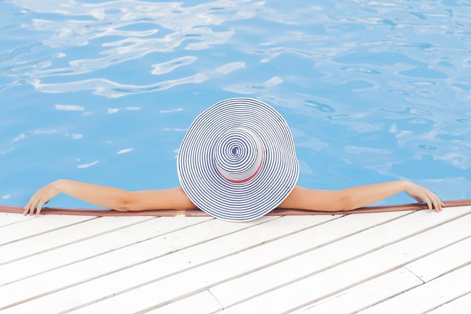 Роспотребнадзор рассказал, как безопасно пережить жару