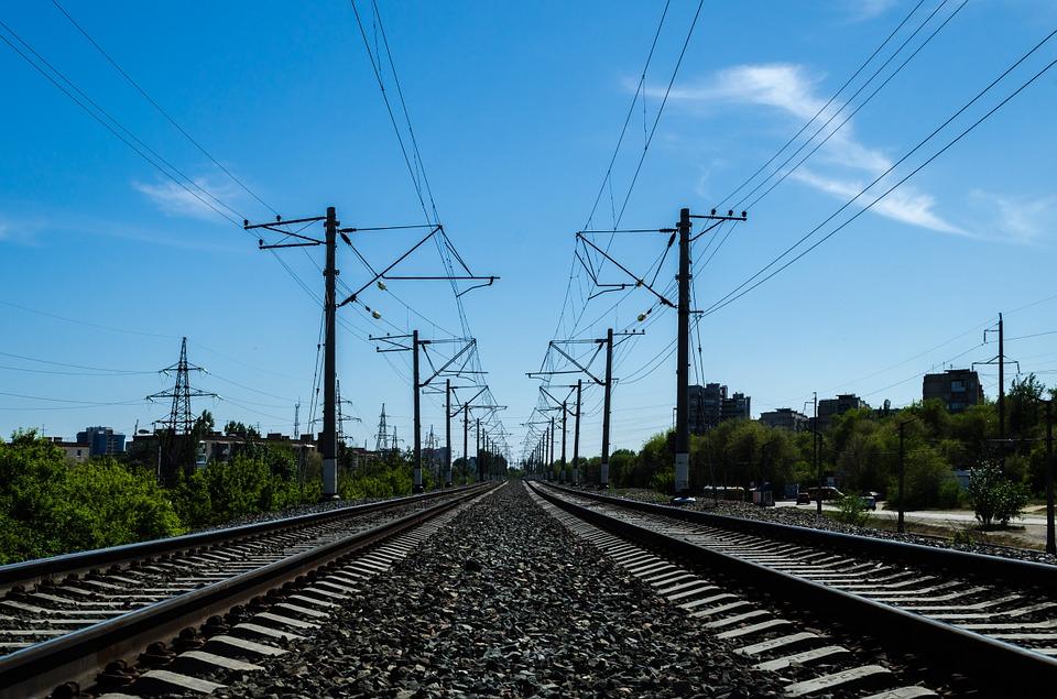 Зеленского просят вернуть железнодорожное сообщение с Крымом