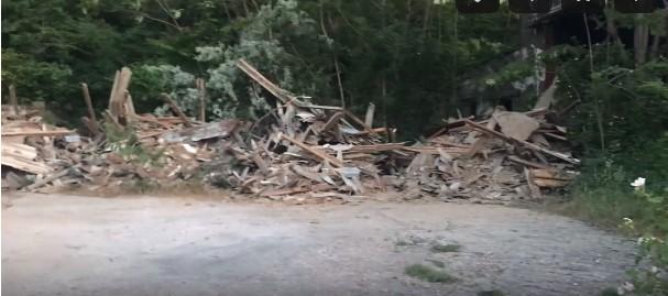 Сотни тонн мусора обнаружили в историческом месте в Балаклаве