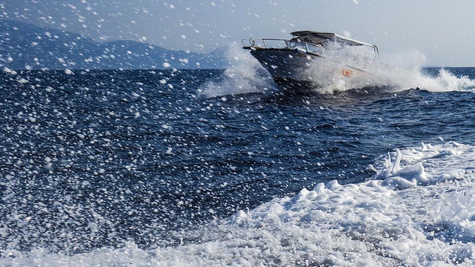В России разрабатывают уникальный сверхскоростной катер на водных лыжах