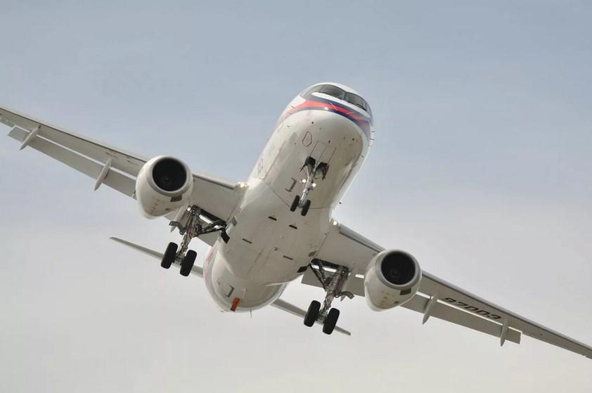 «Аэрофлот» массово отменяет рейсы Superjet