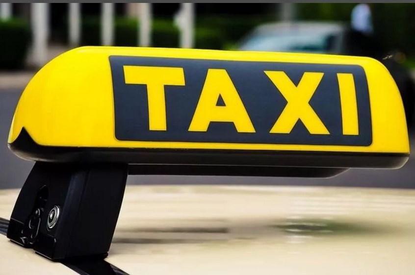 Поездка в такси дорого обошлась для крымчанки
