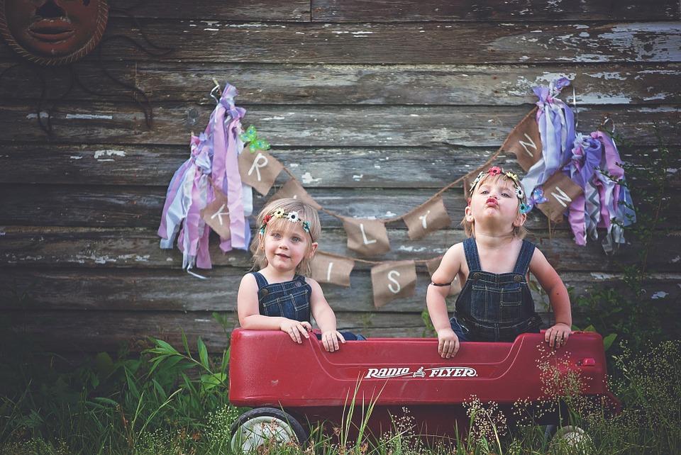 В Ялте прошел парад близнецов