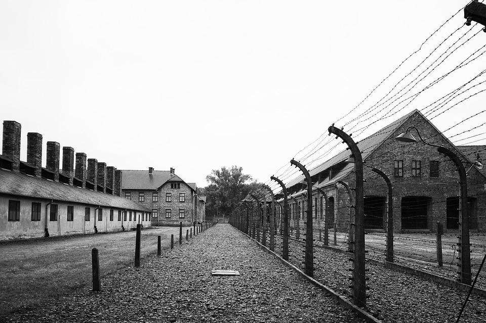 Украинское посольство в США выдало фотографию из гетто в Польше за депортацию крымских татар
