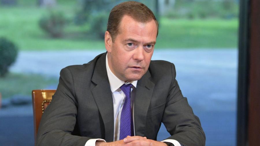 Медведев распорядился создать новые учреждения культуры в Севастополе