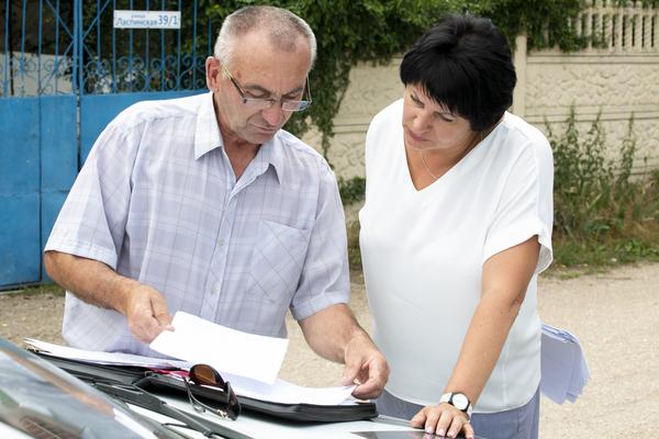 Татьяна Лобач обсудила с жителями сел Орлиное и Широкое их проблемы