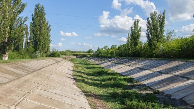 Украинцы просят Зеленского пустить в Крым воду и транспорт