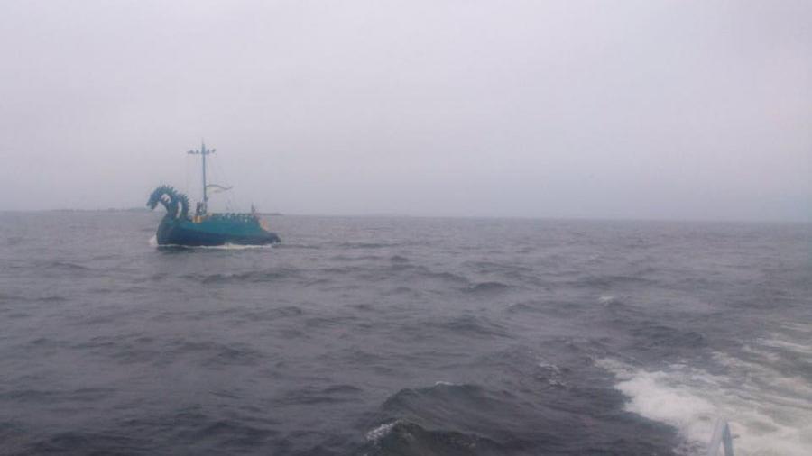 Финские пограничники приняли яхту из России за «трехголового монстра»