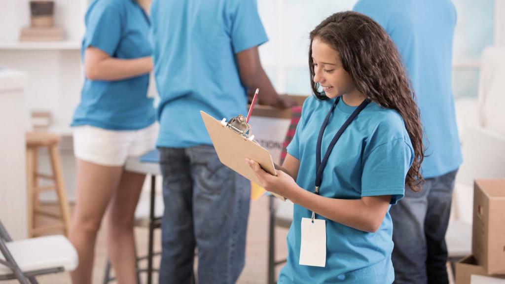 Куда трудоустроиться подростку в Севастополе на летних каникулах