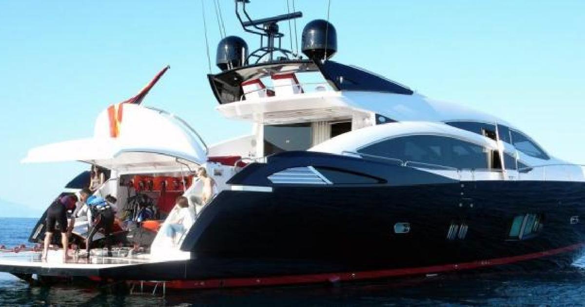 У берегов Испании загорелась яхта с Кличко-младшим на борту