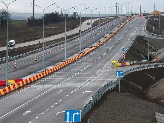 По «Тавриде» возле Крымского моста запустили движение по четырем полосам