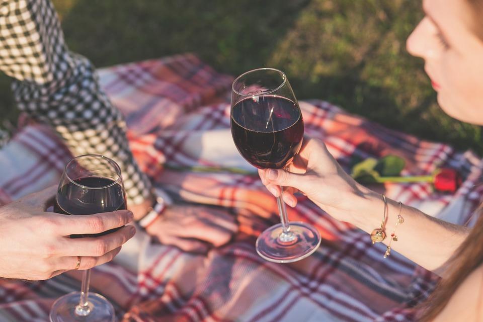 С подачи севастопольских виноделов в России могут разрешить рекламу вина