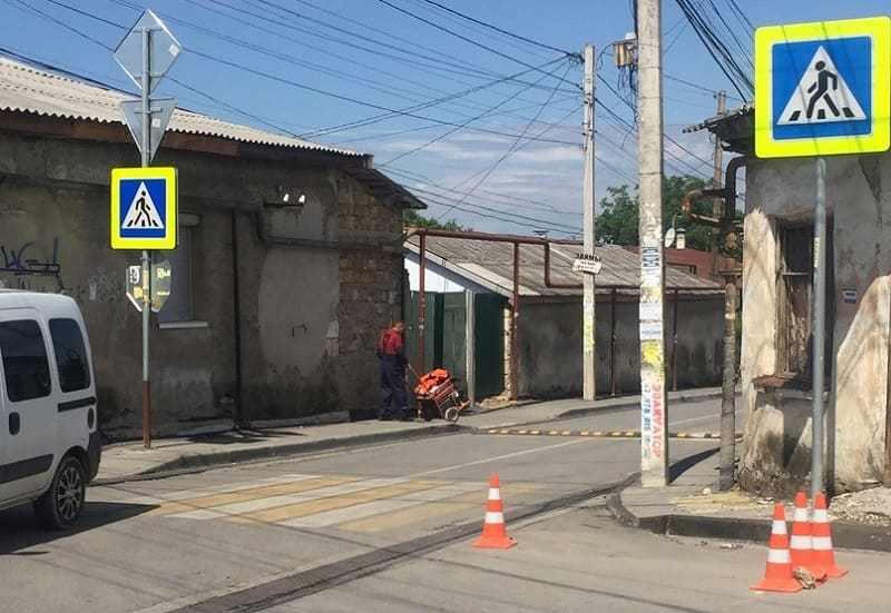 На «проклятом» перекрестке в Симферополе установили «лежачих полицейских»