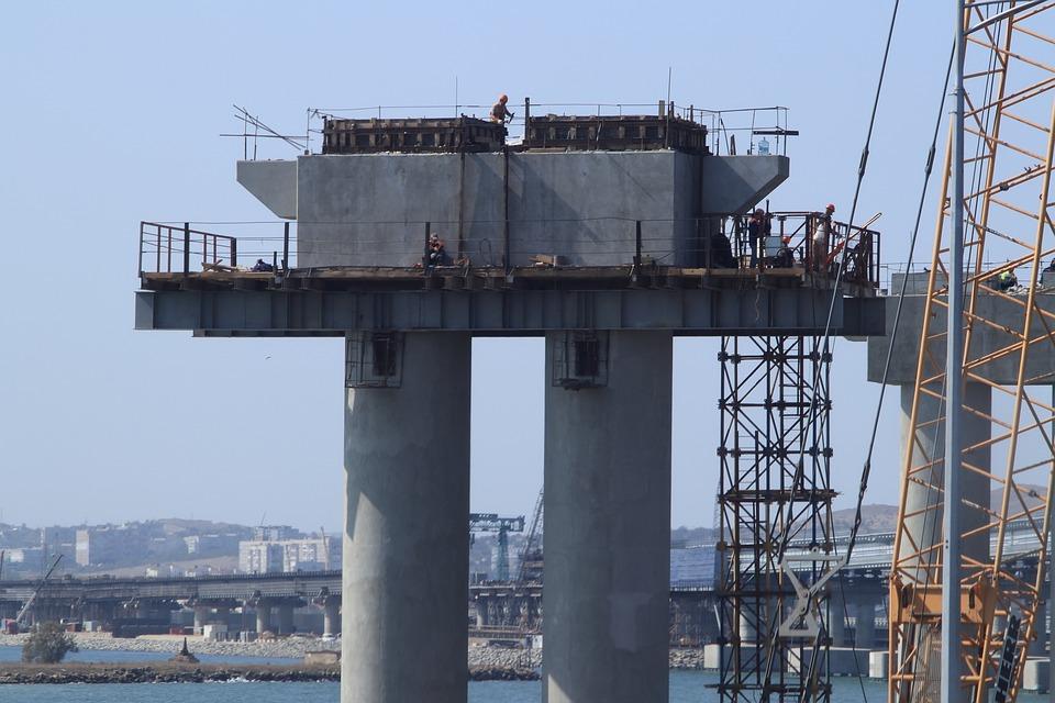 В Крыму ожидают запуск ж/д сообщения по Крымскому мосту раньше срока
