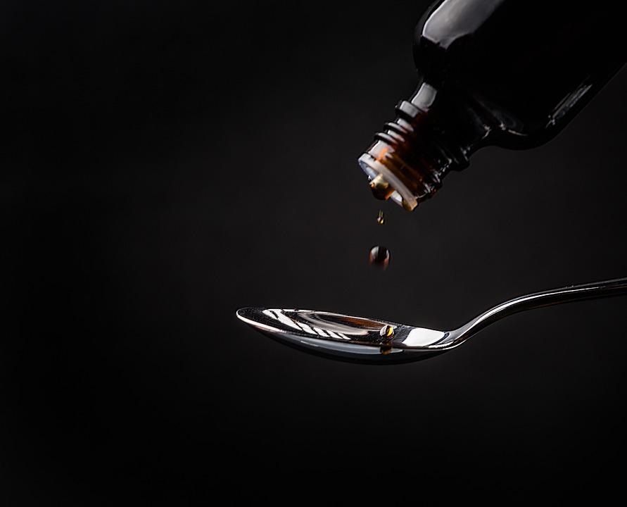 Из российских аптек начали изымать еще один опасный сироп от кашля