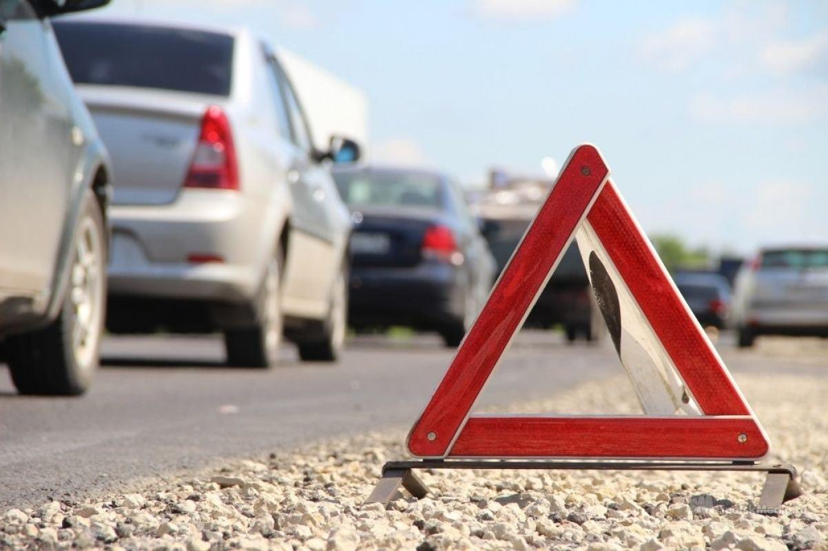 «У водителя ногу свело»: в массовом ДТП в Крыму столкнулись 9 автомобилей