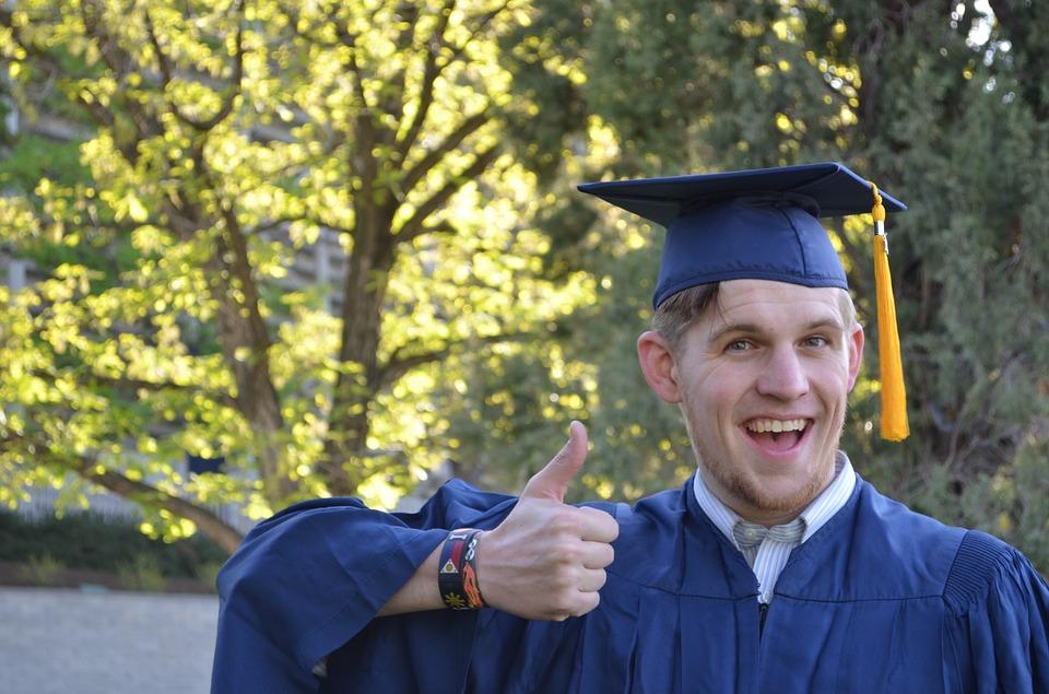 В России начнут выдавать цифровые дипломы